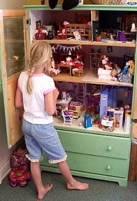 Dollhouse from a Dresser