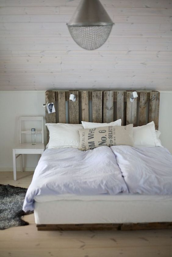Pallet Furniture Ideas for Farmhouse Style Homes on Pallet Room Ideas  id=89498