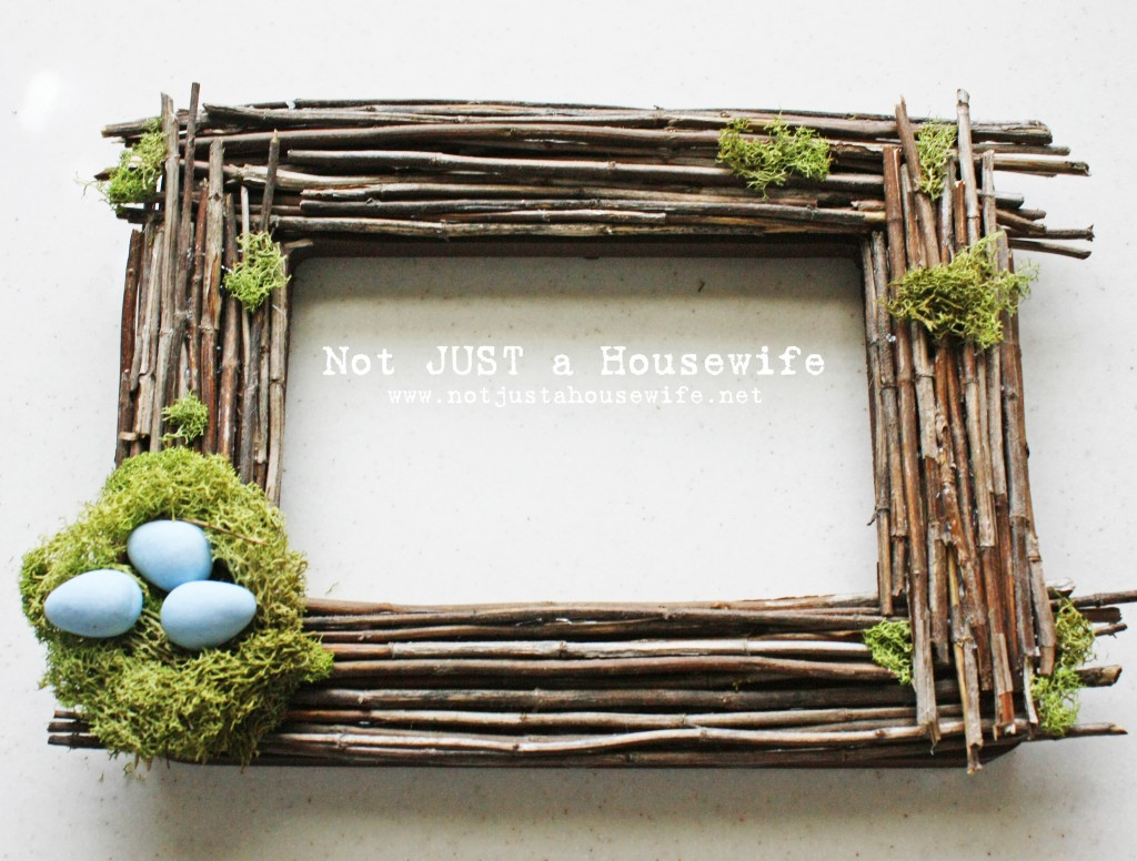 "Sticks and moss embellish a simple frame into something more woodland inspiread :: <a  data-cke-saved-href=""http://www.notjustahousewife.net/2011/04/point-of-view-aprils-project.html"" href=""http://www.notjustahousewife.net/2011/04/point-of-view-aprils-project.html"" target=""_blank""><strong>Not Just a Housewife</strong></a>"