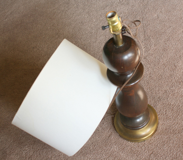 Turn a thrift store lamp into a pottery barn inspired lamp with just a bit of paint