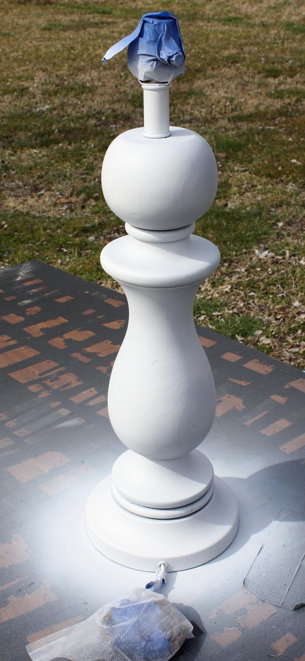 Love this pottery barn inspired love letter lamp - so easy yet so pretty!