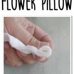 easy DIY farmhouse flower pillow - what a great project! love the results she gets with a little scrap fabric!