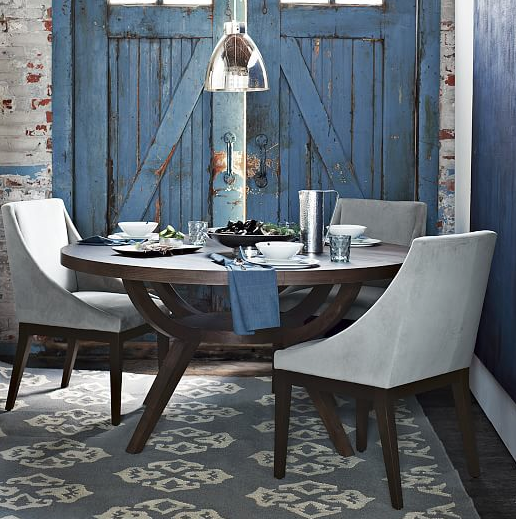 love this small dining room area - LOOK AT THOSE DOORS!