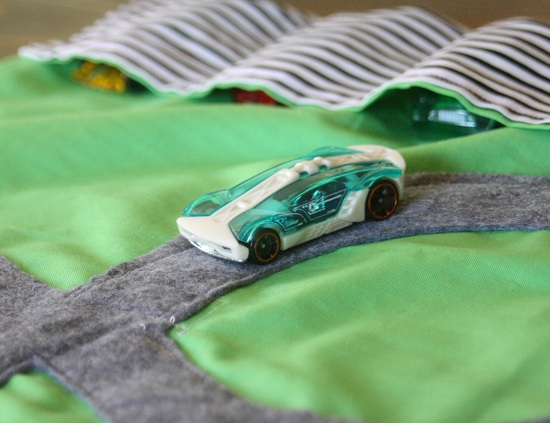 DIY Christmas Gifts: Toy Car Play Mat