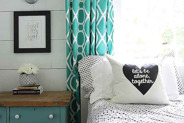 Beautiful Farmhouse Bedding Under $100