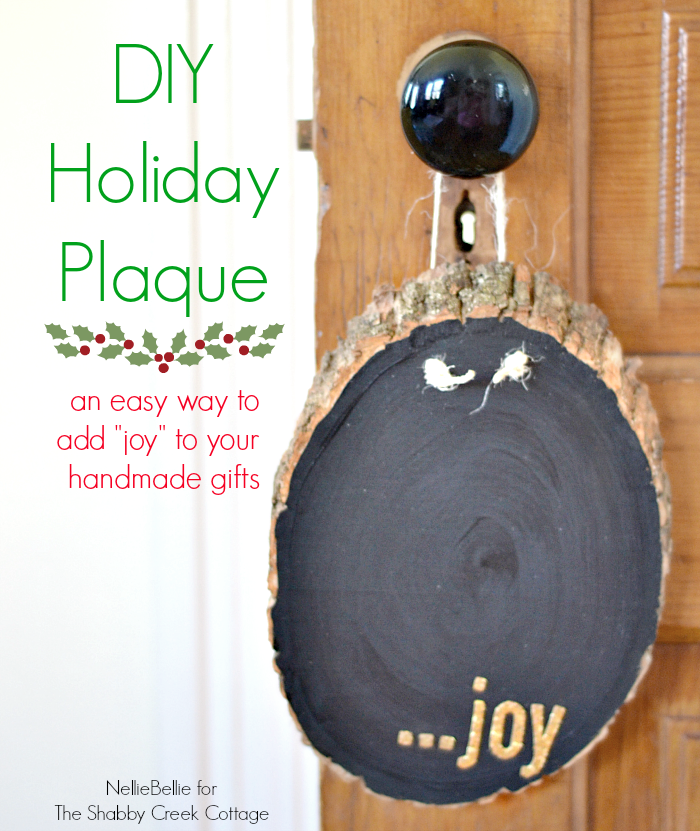 A DIY holiday plaque is a sweet and easy homemade gift!
