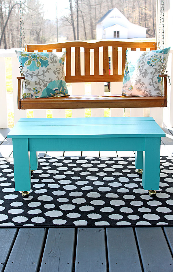 easy farmhouse style diy coffee table. Black Bedroom Furniture Sets. Home Design Ideas