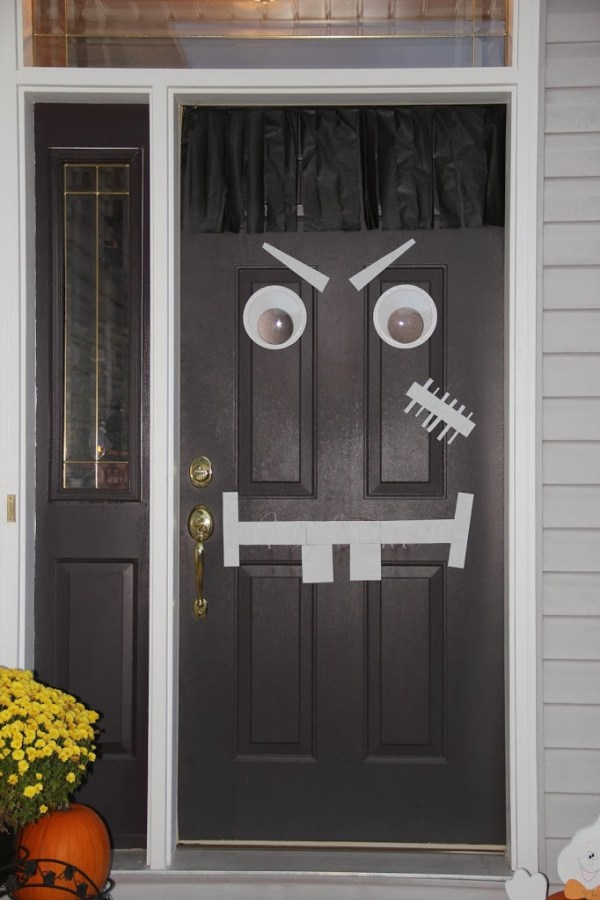 Halloween porch decorating ideas - this one is so easy!