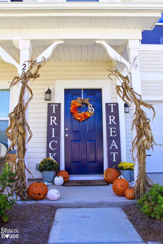 Halloween Porch Decorating Ideas - add some signs!