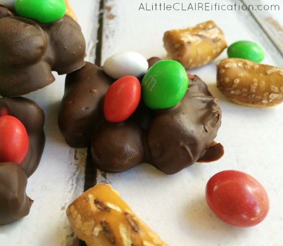 Easy Slow Cooker Chocolate Pretzel clusters- a fun holiday dessert!