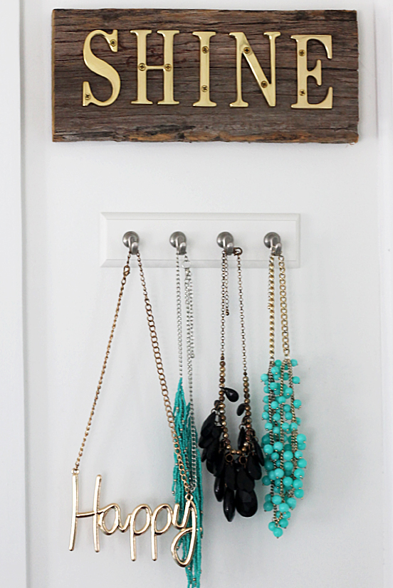 easy jewelry organizing