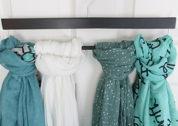 closet hacks- use a hanger to loop on scarves