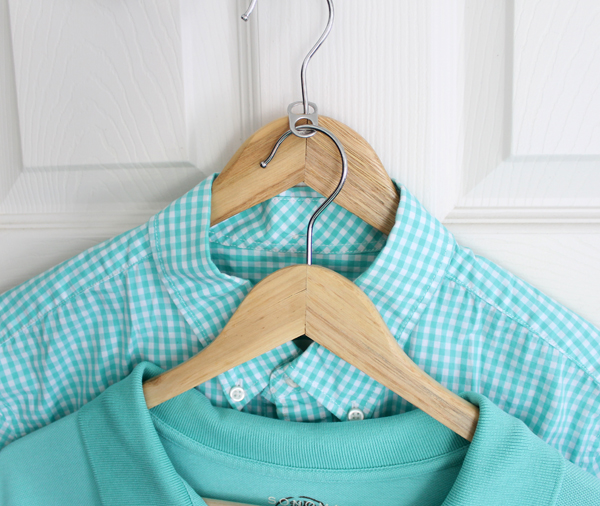 closet hacks- use a soda tab to double the hangers