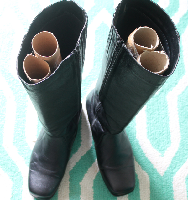closet hacks- use cardboard tubes to help boots keep shape