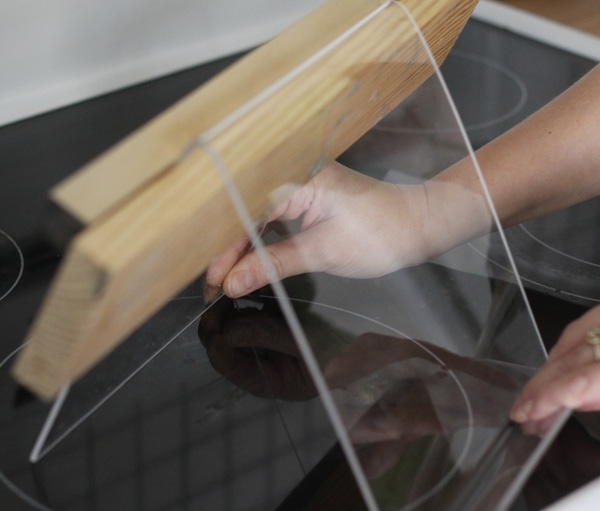how to make an iPad stand from plexiglass with a heat gun