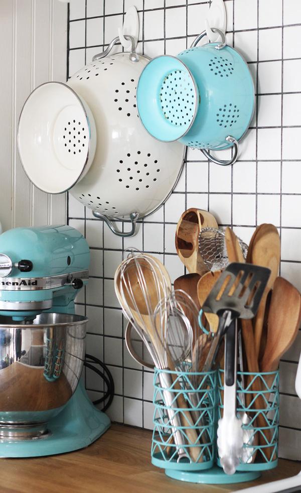 easy kitchen organizing #damagefreeDIY
