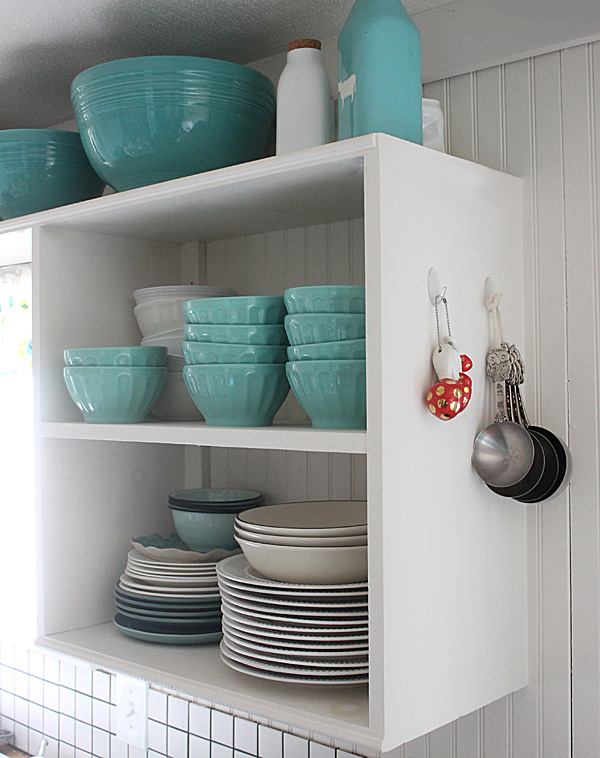 kitchen organizing (measuring cups and spoons) #damagefreeDIY