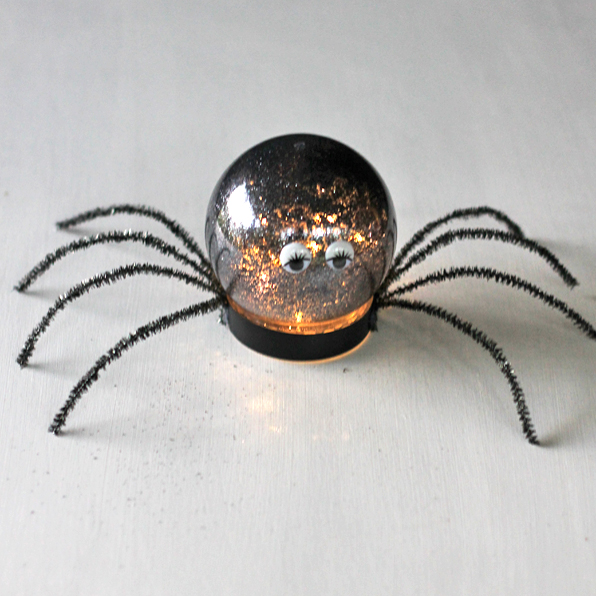 Spider Luminary - a great craft idea for Halloween Parties