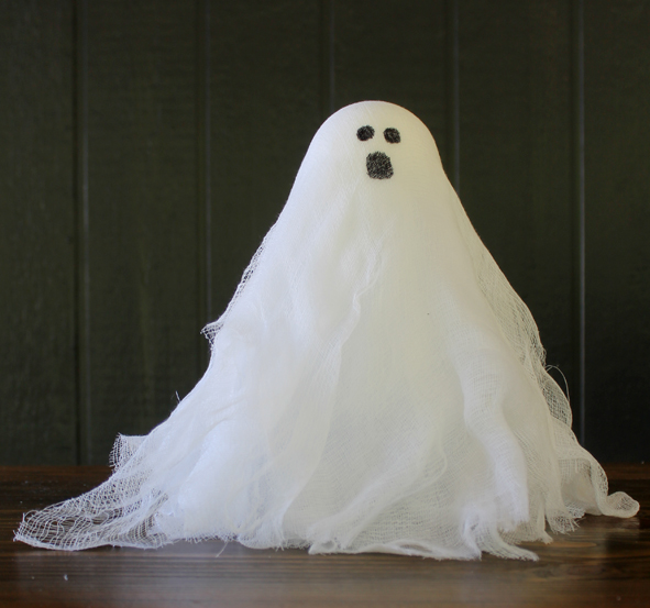 Halloween Crafts: Easy Cheesecloth Ghosts