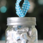 Super cute mason jar ornament - love this idea for small gifts! Looks so easy!