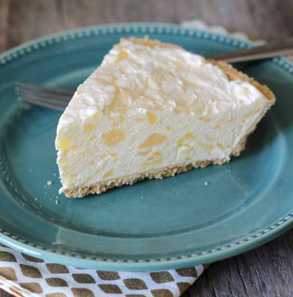 Only four ingredients to make this quick and easy pineapple cheesecake? I'm in!