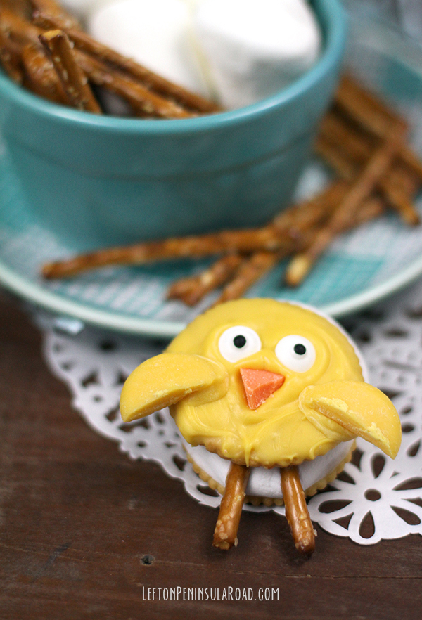 Fun treat idea: Easter Chick Smores!