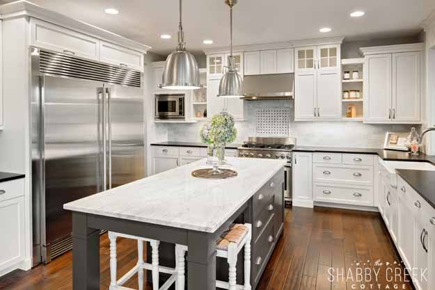 that kitchen island is absolutely gorgeous!