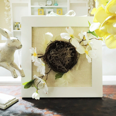 Burlap frame - such an easy spring decorating ideas