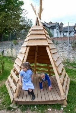 Love this teepee made out of pallet wood - this would be perfect for the garden!