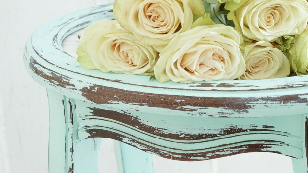 Distress chalk style paint with vinegar