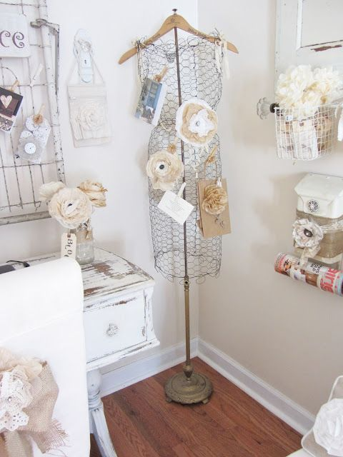 Ideas to repurpose old lamps - turn one into a dress form