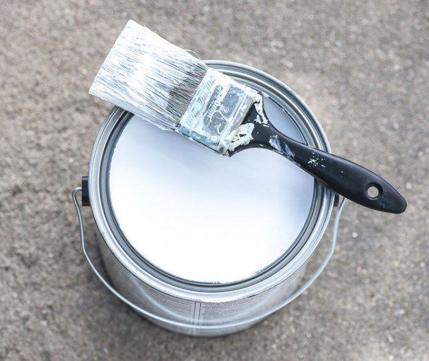 how to get dried paint out of a paint brush