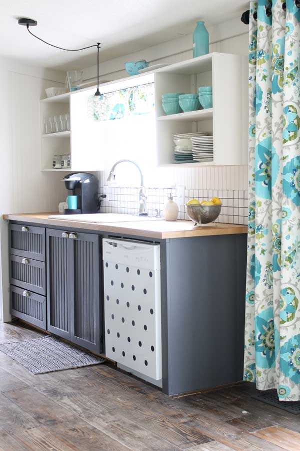 Lovely This Aqua Kitchen Is SO Pretty! Tons Of Great Ideas   And Sheu0027s Got An