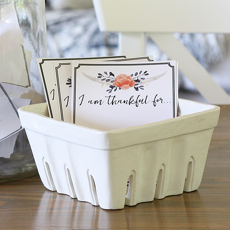 Thankful printable cards - Thanksgiving tradition: www.theshabbycreekcottage.com/thankful-printable-cards.html