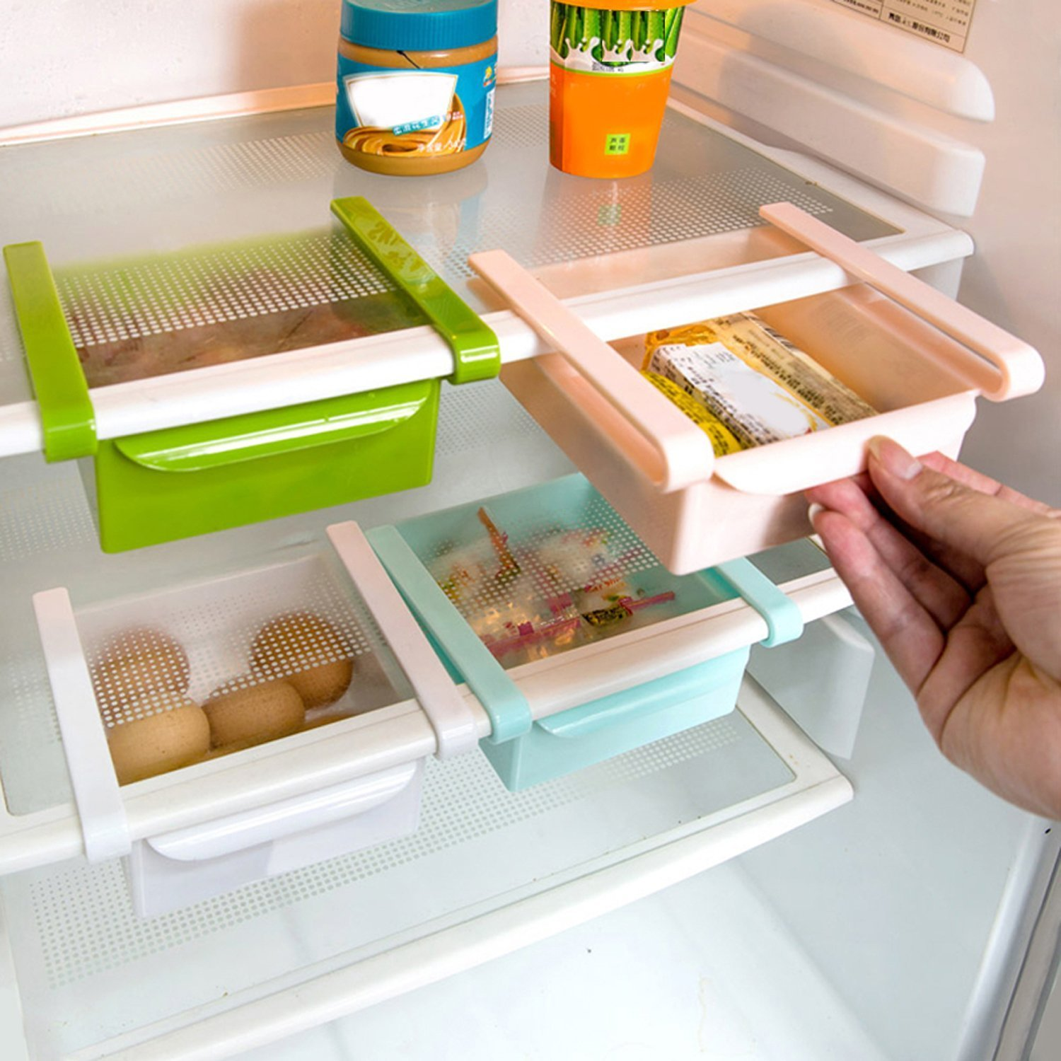 Tips to clean and organize a refrigerator - so many great tips! Hoping it helps me keep my refrigerator clean!