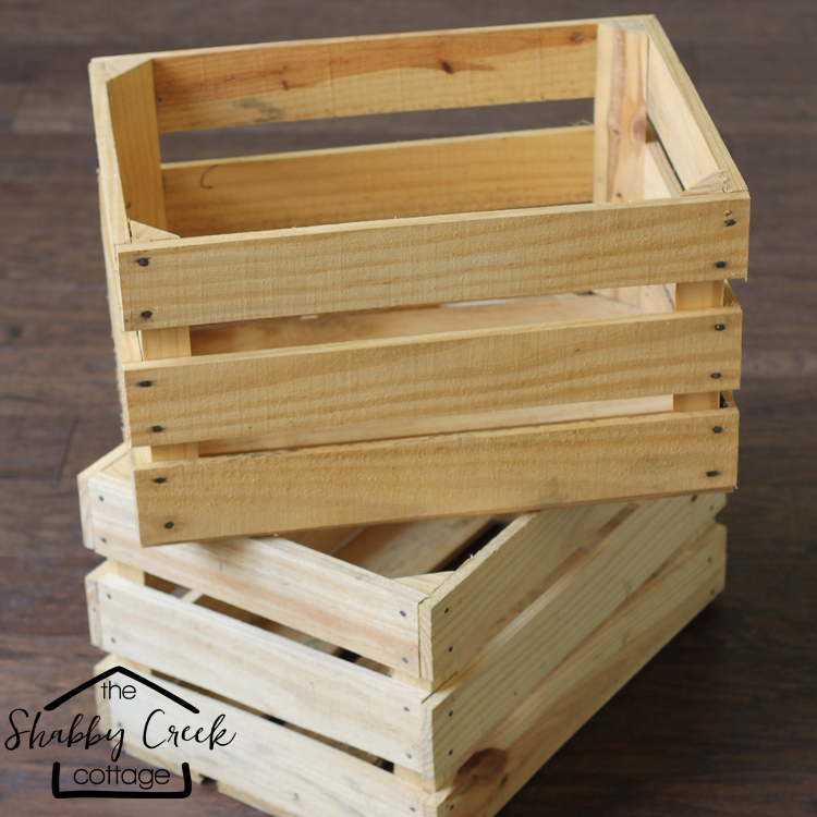 Next time I see wood crates at the flea market, I'm definitely grabbing a couple to make this little wood crate rolling cart.