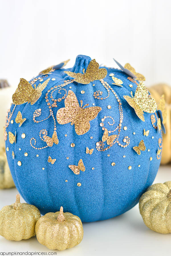 Disney inspired pumpkins - so many great ideas from all of my favorite disney movies!