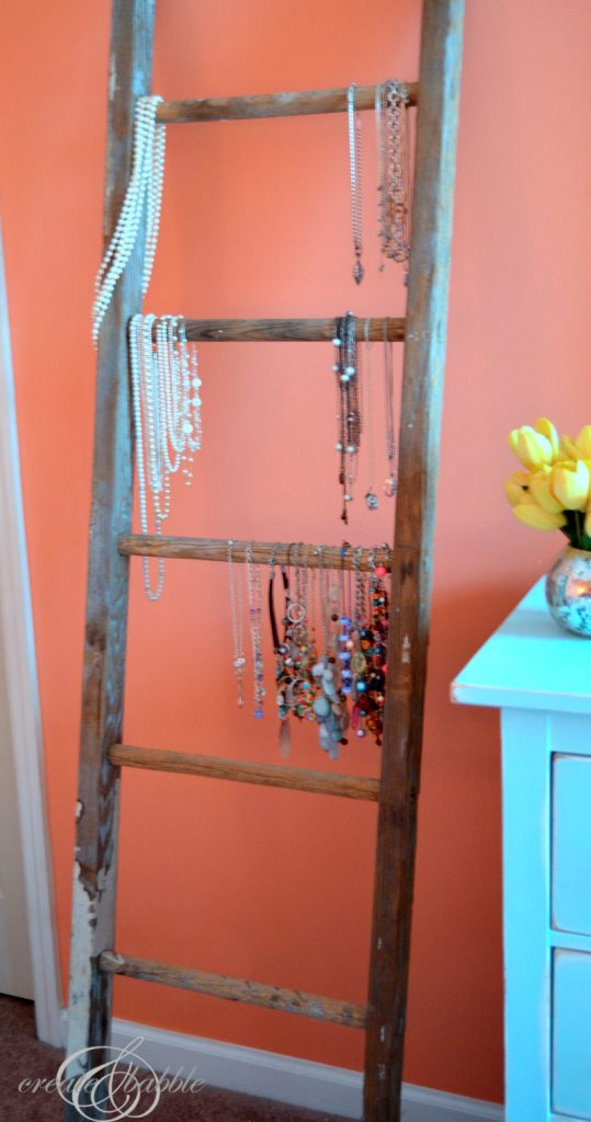 so many great ideas for things made from old ladders - these signs are so cute!