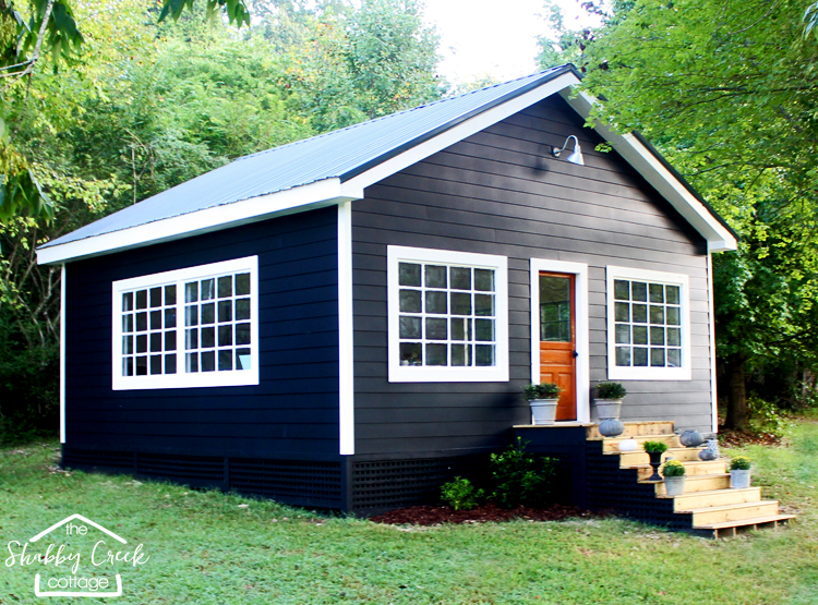 gorgeous farmhouse style studio sheshed this woman and her husband built - She Shed