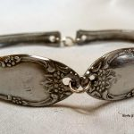 So many great ways to use old silverware. I need to try to find a couple of pieces to make this one!