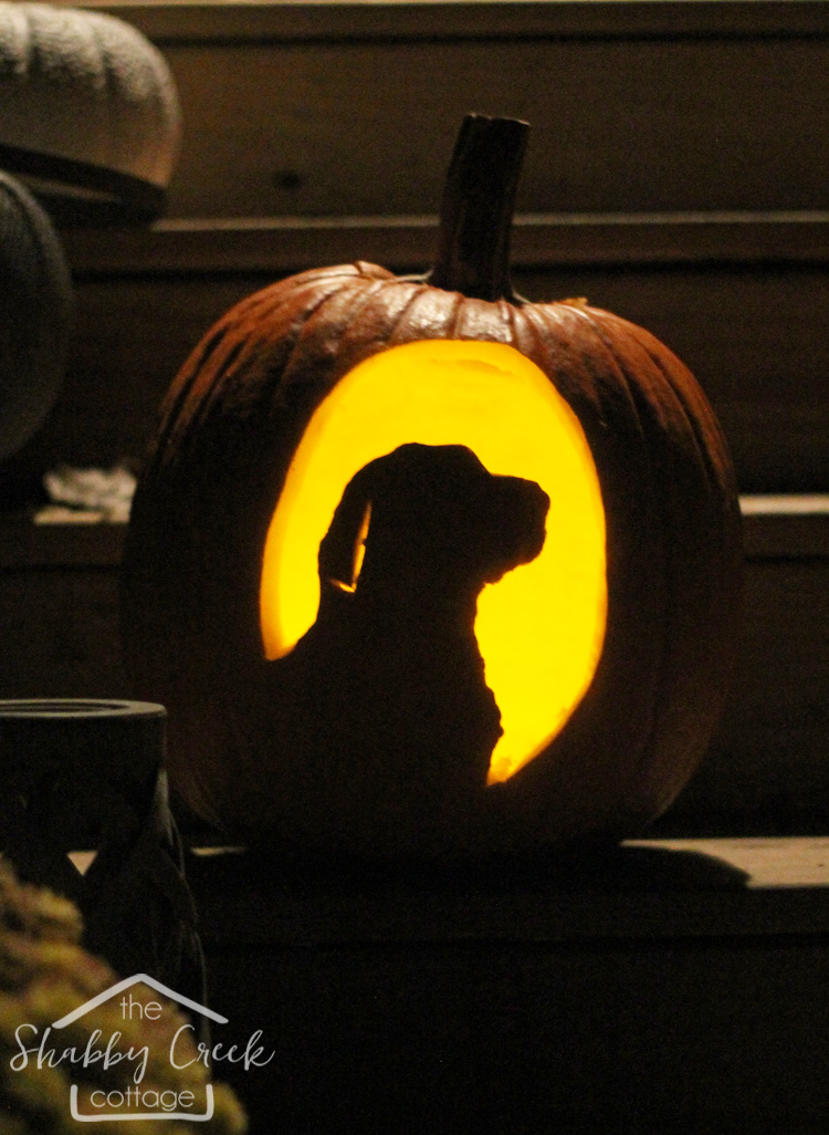 how to make your own custom pumpkin carving template - this dog pumpkin is adorable!