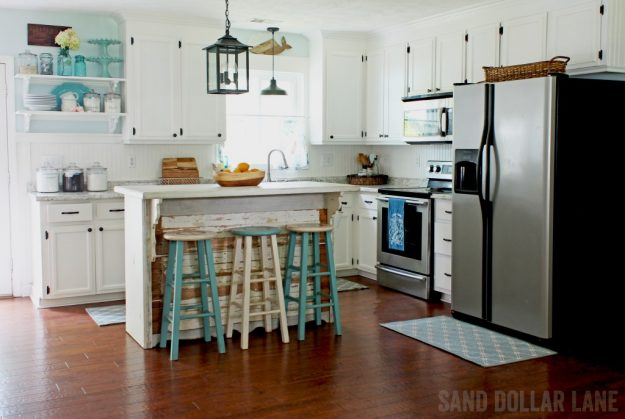 White Paint Colors: White Dove by Benjamin Moore - lots of great white paint colors shown in different rooms