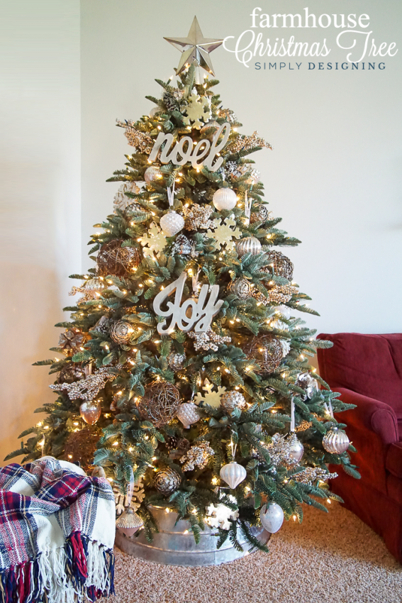 what a gorgeous farmhouse christmas tree this blog has so many great christmas tree decorating - Gold Christmas Tree Decorating Ideas