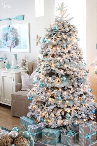 Coastal Christmas tree decorating ideas