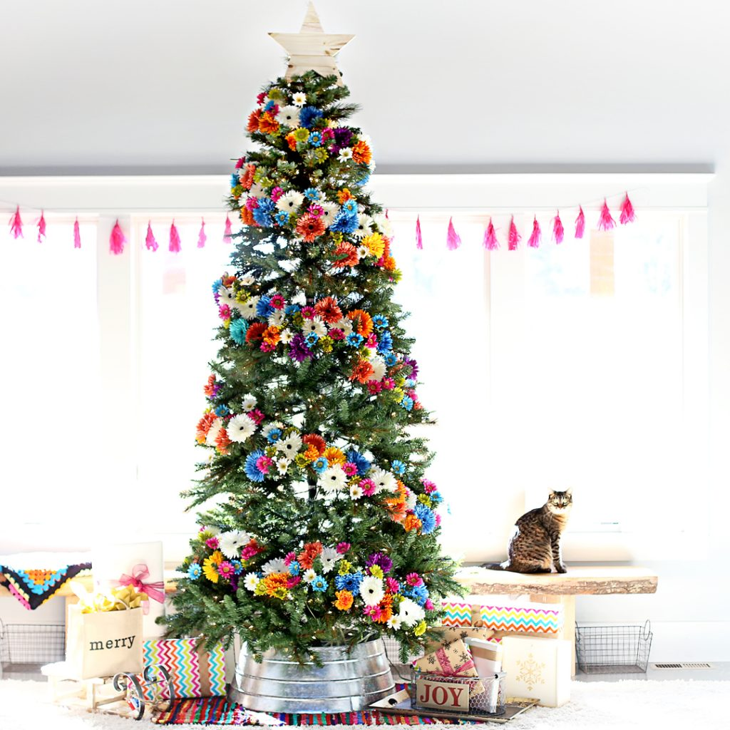 A floral Christmas tree - one of the most creative Christmas tree decorating ideas I've seen this year!