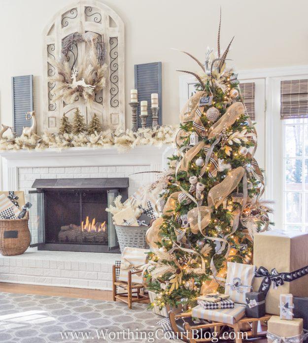 Lovely Christmas tree decorating ideas - farmhouse glam tree