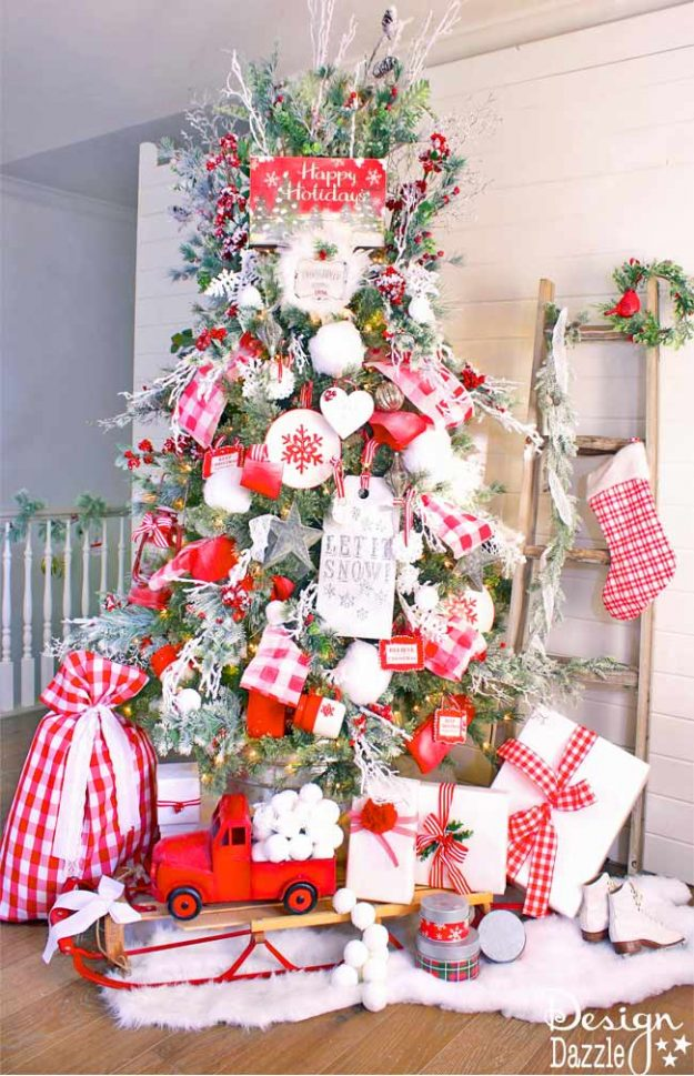Christmas tree decorating ideas: Mrs. Claus tree