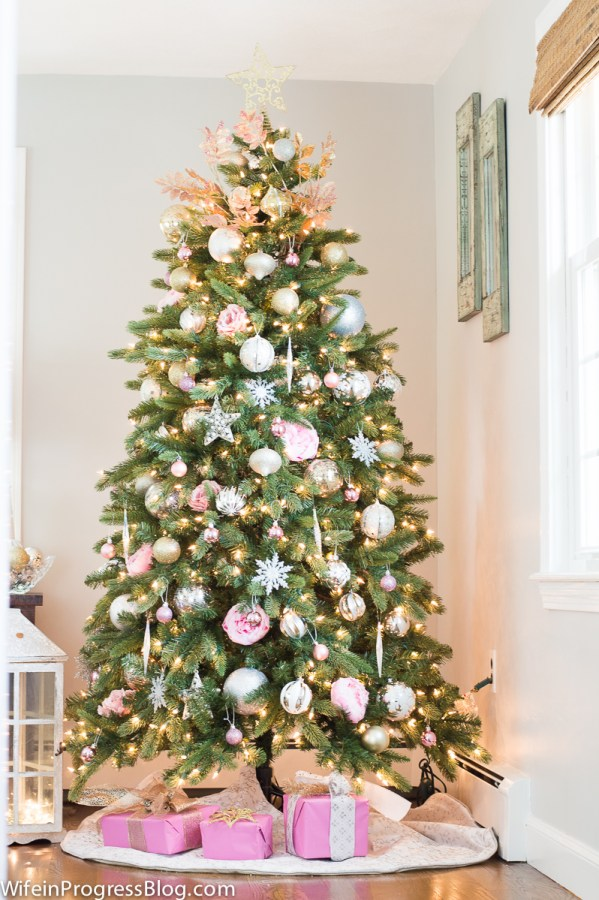 christmas tree decorating ideas pretty tree all in pink - Pink Christmas Decorations Ideas