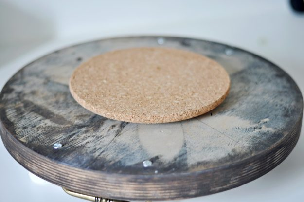 How to make an easy rustic style lazy Susan tray