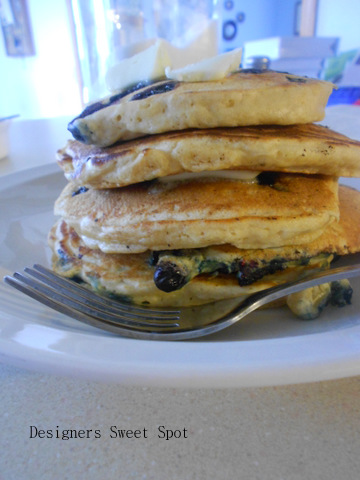 Blueberry Buttermilk Pancakes are easy and cheap to make. Designers Sweet Spot www.designerssweetspot.com